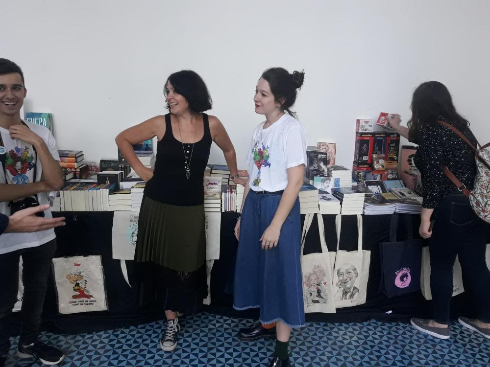 Maru y Belén en un momento de descanso en la Andalucia Reader Con_Adriana Tejada Escritora